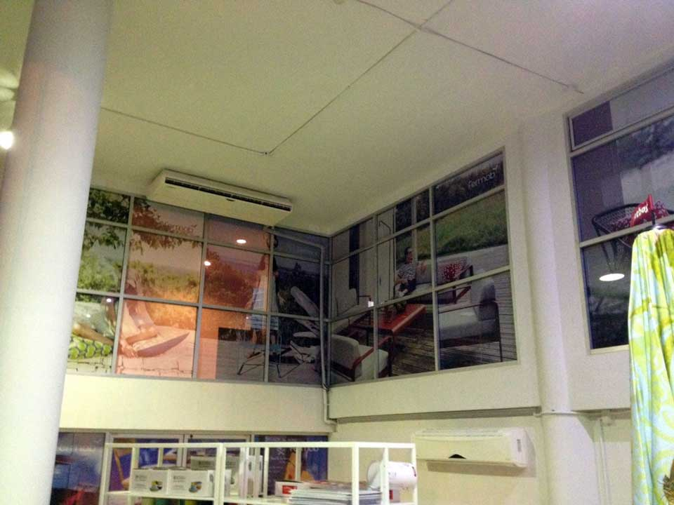 งานติดตั้งสติ๊กเกอร์ซีทรู ภายในอาคาร